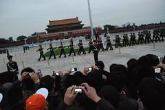 Cambio de bandera (David!!) Tags: china army beijing tiananmensquare tiananmen ejercito tianangate plazatiananmen puertatianan