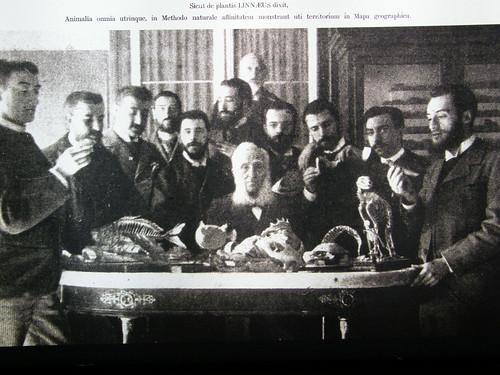 Mariano de la Paz Graells con sus discípulos
