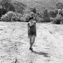 Laura, at Play in the Field (Lou O' Bedlam) Tags: portrait blackwhite malibu kodaktmax400 mamiyac330 rattlesnakepark topangacanyon louobedlam laurataylor 63009 80mmlens lounoble nprsummer