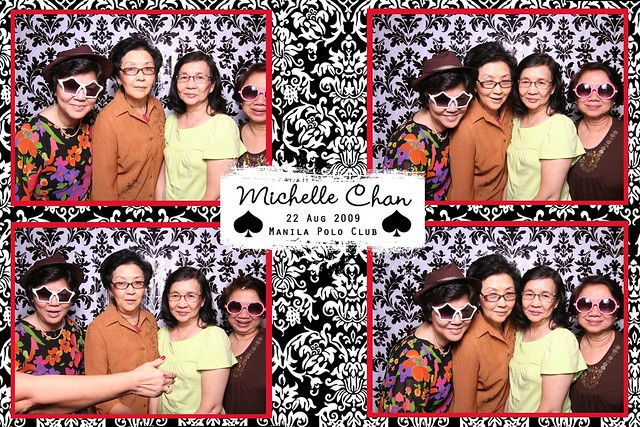 113929-custom-poof_middle by Poof Photobooth