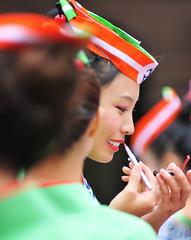 よさこい (ajpscs) Tags: street summer festival japan asian japanese tokyo nikon asia harajuku yukata 日本 nippon 東京 matsuri omotesando yosakoi naruko meijijingu はらじゅく 人 happi d300 原宿 folkdancefestival yosakoinarukodancing superyosakoifestival よさこい wagasa ニコン ajpscs kōchi jinmamo yosakoibushi yocchore