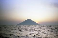 930609 Stromboli at Dawn (rona.h) Tags: june dawn volcano 1993 cacique stromboli ronah