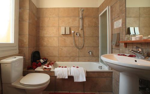 roses italy hotel design florence couple traditional romantic duomo pension ausonia ecofriendly kursaal florentine