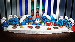 The Smurf Supper (xomiele) Tags: desktop wallpaper religious toys funny religion figurines blogged parody smurf 1970s smurfs thelastsupper diorama schlumpf leonardodavinci pitufos schtroumpf peyo thesmurfs schtroumpfs schlumpfs xomiele