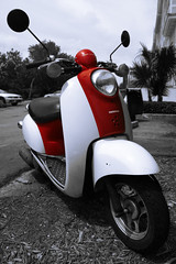 Honda Metropolitan (Mr_Giobinsky) Tags: red color honda key florida sweet scooter moto keywest metropolitan cayo selective selectivecolor selectivecolourisation colorkeying keying colourkeying sweetselectivecolor