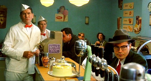 farfromheaven_diner_starring