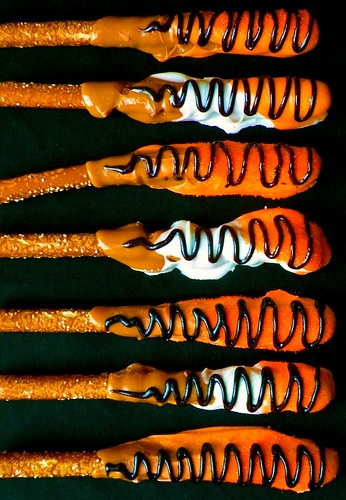 Recipe: Caramel Dipped Pretzel Rods blog image 1