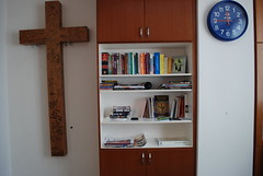 IHM Office - Between the Cross and Time