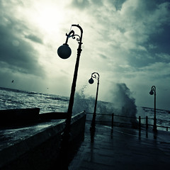 Happy urban-acid wonky storm love friday (s0ulsurfing) Tags: ocean uk sea england sunlight storm praia nature water weather silhouette danger contrast canon dark island bay coast licht march mar intense scary waves mood power natural action britain gull gulls acid extreme shoreline silhouettes dramatic wave windy stormy ps spray coastal lampost shore foam vectis isleofwight coastline gloom rollers splash tempest drama wonky 2008 powerful surge swell isle olas channel tilted englishchannel wight hightide breaking crashing freshwater lamposts sturm lamanche freshwaterbay s0ulsurfing coastuk