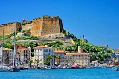 Corse du Sud, Bonifacio 1 le port et le Bastion (paspog) Tags: france port corse corsica fortifications bastion remparts bonifacio estremità