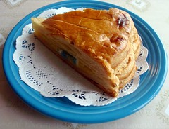 Posterior view of the Galette des rois