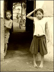 children of hope.......rosa & juan (ana_lee_smith) Tags: poverty charity school children hope education child respect happiness explore granada transparency threesisters learning daniela nicaragua alexander reno obama barrio literacy nonprofit juancarlos integrity empowerment joseluis developingnation childrenatrisk hopeforthefuture thirdworldcountry childrenofhope villageofhope presidentbarackobama empowermentinternational childofhope villaesperanza analeesmith colochon empowermentthrougheducation obamaadministration selfestem