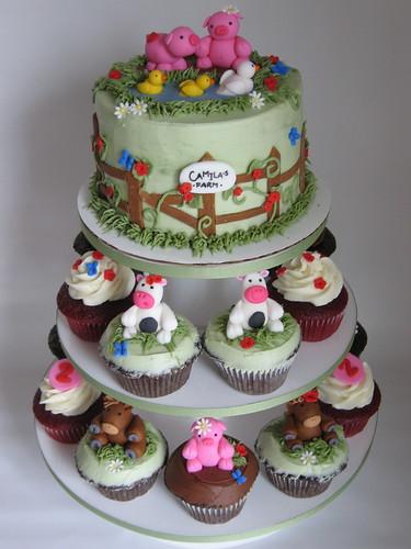 My farm cake and cupcakes... again!