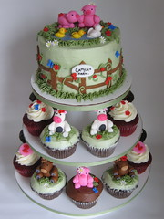 My farm cake and cupcakes... again!