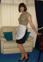 DSC02249 (Miss Fiona) Tags: uniform feminine apron sissy maids pinafore pinny frenchmaid kittel housemaid crosstied meninaprons cosplayapron sissymaidsapron epuron