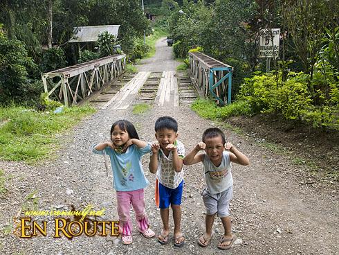 Imugan Kids at the Bridge