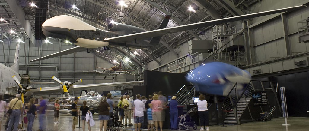 Northrop Grumman RQ-4 Global Hawk 9x6
