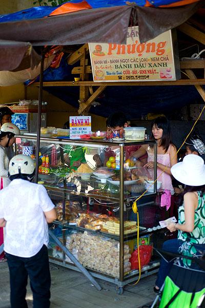 Phương, a bánh mì stall in Hoi An, Vietnam
