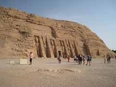 Vislumbrando a Nefertari (versae) Tags: egypt egipto مصر abusimbel أبوسمبل أبوسنبل