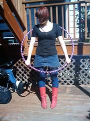 Rae hula ready... (Astra Goblin) Tags: sanfrancisco rachael crawfish bbq rae boil laine fauxred backyardbackyard hulabbqcrawfishhula