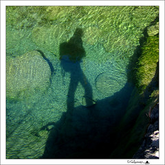 Ya llego... (ErCalamar) Tags: rio agua yo sombra silueta autorretrato caminata senderismo bienvenido chera serrania barrancodelahoz