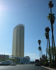 Vegas: Trump International Hotel (Batty aka Photobat) Tags: vegas trumpinternationalhotel