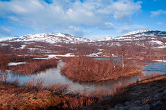 River and mountains, Riksgransen, Lappland, Sweden (Wansfordphoto) Tags: park panorama mountain snow mountains nature water landscape landscapes countryside photo scenery europe european view shot cloudy photos shots lappland lakes scenic parks panoramas peak overcast swedish panoramic sierra national covered lapland views vista waters vistas sierras peaks scandinavia scandinavian riksgransen sceneries mountainous summits torneträsk tornetraesk snowysummit tdaytime travelsweden