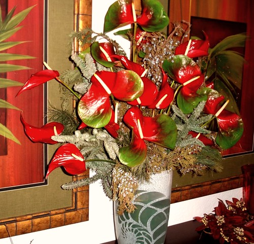 Tropical Hawaii Flowers Christmas TV Rick Romer, Set Decorator