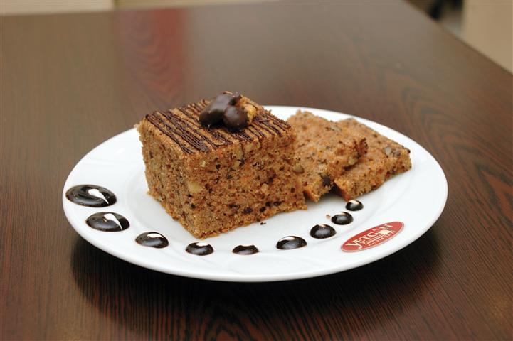 Alanya Yetgin Pastanesi, Havuçlu Tarçınlı Kek, Damak Tadı, Alanya Lezzet Durakları