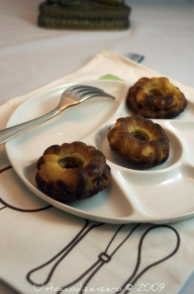 Cannelés bordelaise