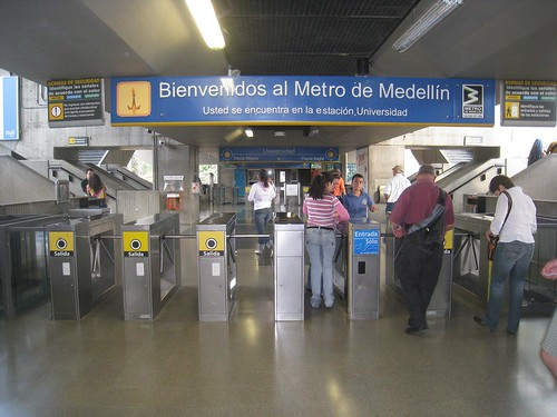 Universidad metro station