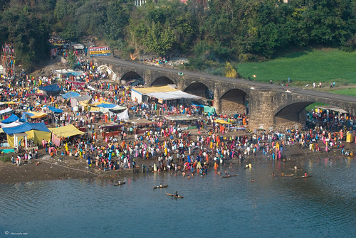 Mela on the Narmada River 14th Jan 09