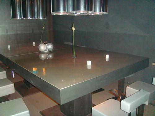 Mesa alta para comidas o cenas de grupos