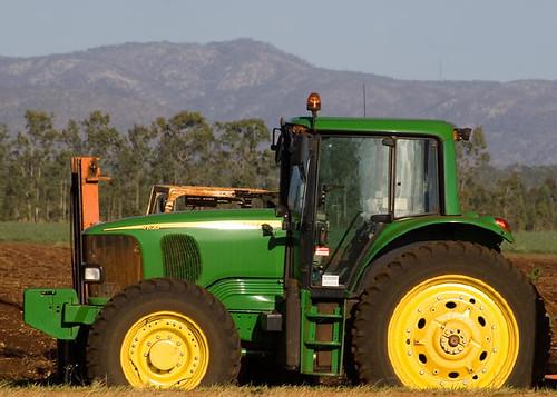 Traktory, ciągniki rolnicze John Deere używane