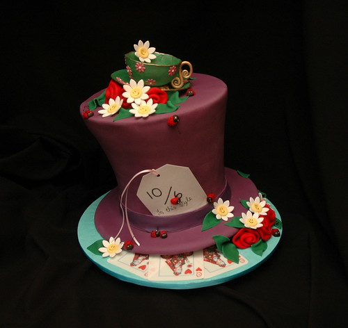 Alice's madhatter's hat