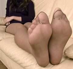 04012009056 (hannahscattles) Tags: highheels dress tan pantyhose taupe sheertowaist sandalfoot 100nylon