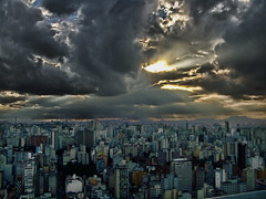 So Paulo  40 andar (kass) Tags: city brazil urban cloud storm brasil clouds fantastic day photographer saopaulo sopaulo capital nuvens metropolis urbano brasileiro urbanscenes paulista sentiments diamant posie tempestade ensaiofotogrfico urbanscenery cenaurbana paulistano paulicia jornadafotogrfica fineartphotos sadafotogrfica motions anawesomeshot excellentphotographerawards flickrbr goldstaraward espirits cityofsaopaulo kass