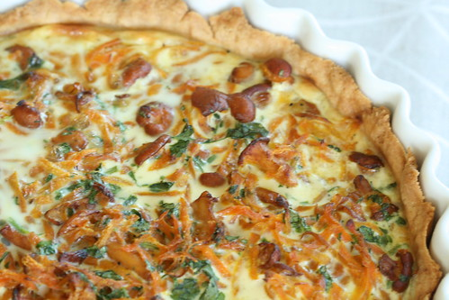 Carrot and chantarelle quiche / Porgandi-kukeseenepirukas