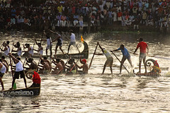 Boat Race (Light and Life -Murali ) Tags: india lake race boat kerala trophy nehru alappuzha nehrutrophyboatrace vallam punnamada vallamkali chundanvallam img7701p1sc