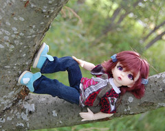 Phew! I found my balance! (KristinKreations ( )) Tags: boy girl asian doll tiny claude bjd resin bb jing fairyland ante salix timian dollzone chiwoo tinybjd llilly littlefee kristinkreations
