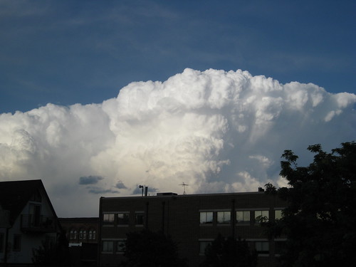 Holy crap, look at that thundercloud!
