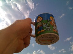 004: To the clouds (_assbach) Tags: coffee clouds kaffee cups athome bobthebuilder thursday senseo tassen smallcup bobderbaumeister fromiphone tasskaff365 lidlpads