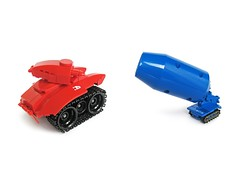 RED vs BLUE (Fredoichi) Tags: fun lego space vehicles tanks fredoichi