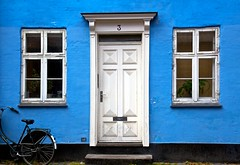 3 (Rozanne Hakala) Tags: door blue windows house 3 bike bicycle copenhagen denmark entrance cph scandinavia kbenhavn larslejstrde