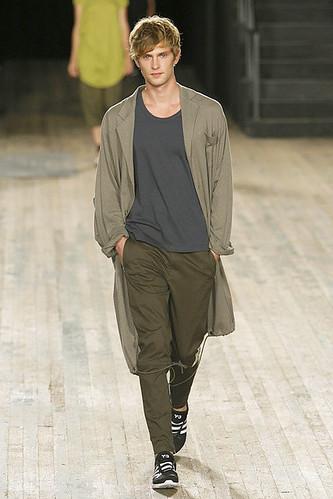 Mathias Lauridsen3110_SS10_NY_Y-3(ELLE)