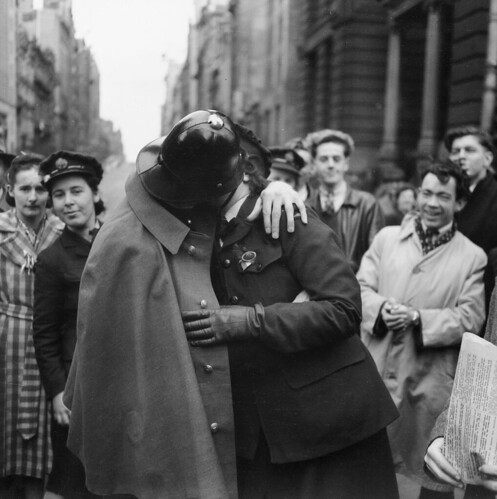 A victory kiss, 1945