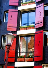 Amsterdam Grachtenhaus (polarkreisthiele) Tags: netherlands amsterdam grachten niederlande 10faves canon400d polarkreisthiele