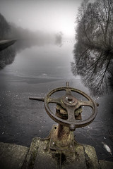 the dead fish (MartinTheHat (Martin Lowery)) Tags: uk england mist lake wheel fog reflections 350d cheshire stockport canondslr hdr deadfish prespective canondigitalrebelxt sigma1020 etherowcountrypark
