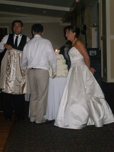 If you're going to cut a wedding cake, please be civilized and wear a jacket.