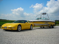 Matching Corvette Pulling Matt Minor's Malibu Wakesetter